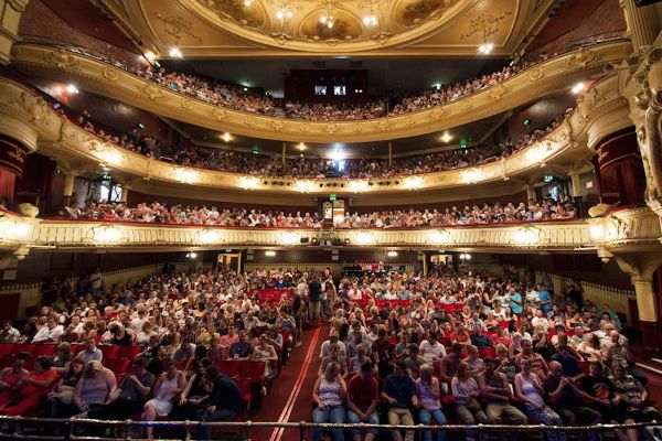 Audiences at Kings Theatre